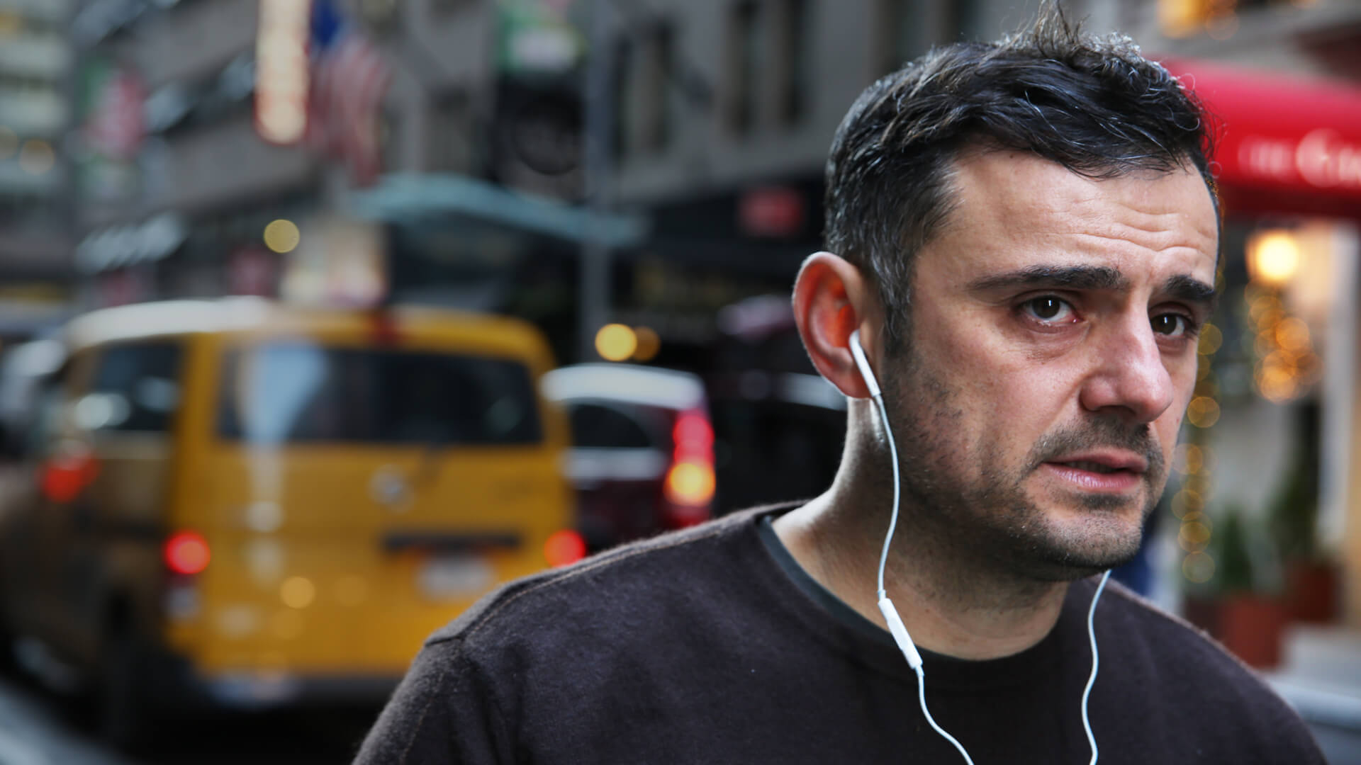 #askgaryvee – Featured Image